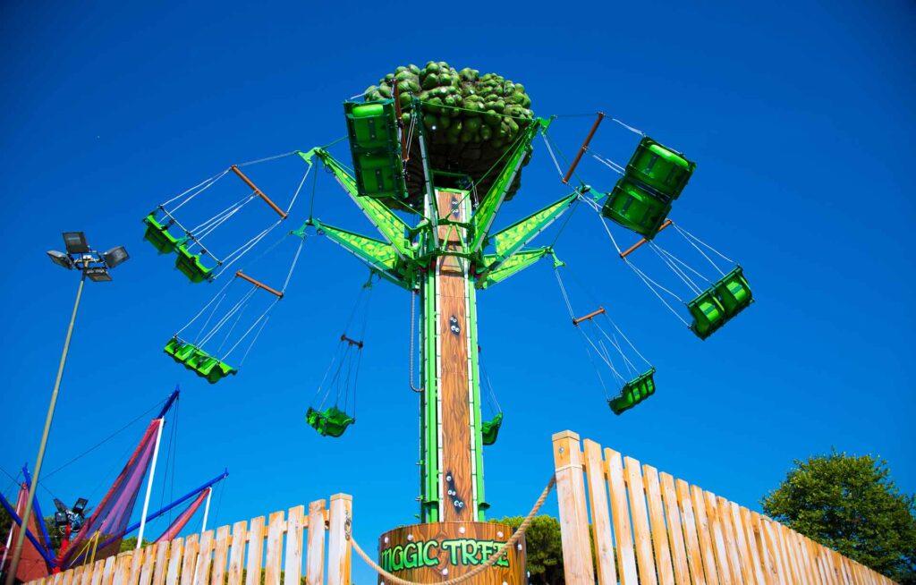 Swing Tower 9 M - Rides - SBF Rides